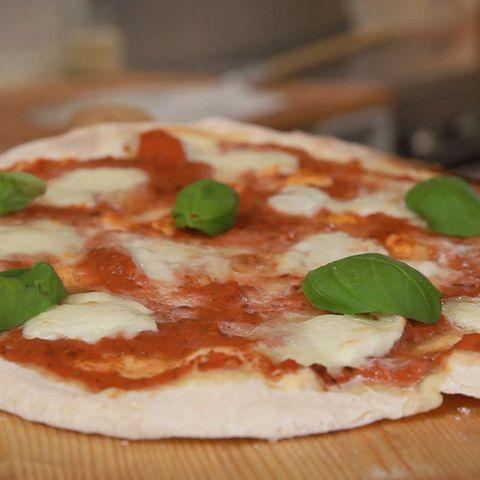 Rezept für selbst gemachten Pizzateig von Fabio Haebel