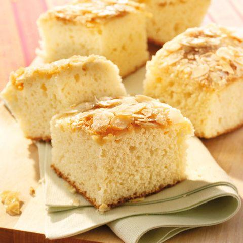 Buttermilchkuchen mit Mandelkruste