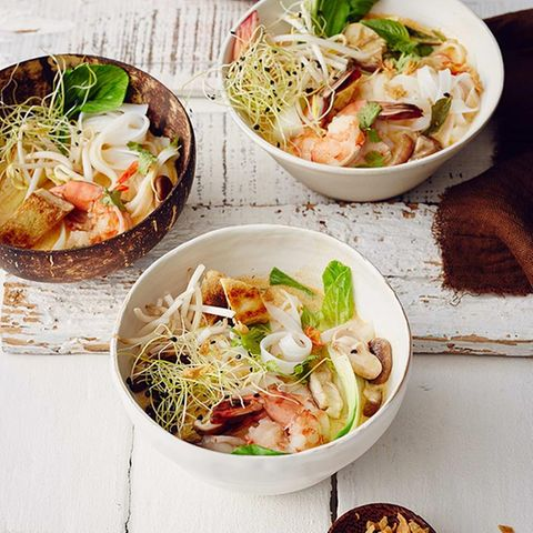 """Reisnudel-Kokos-Suppe  (""""Laksa"""")"""