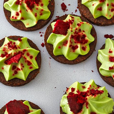 Avocado-Chili-Taler mit Rote-Bete-Chips