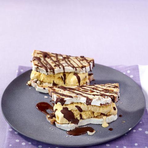 Stollen-Eis-Sandwich