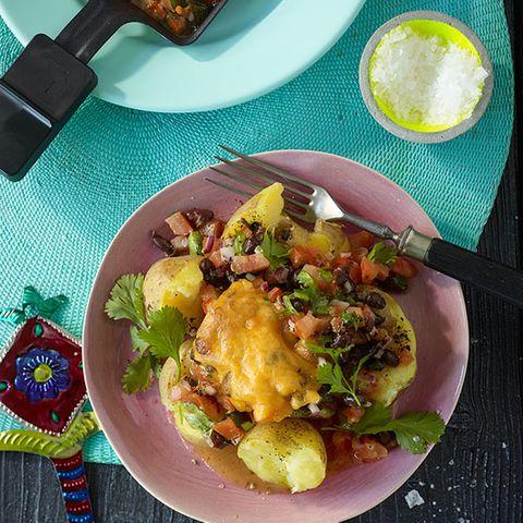 Tomaten-Bohnen-Salsa mit Kartoffeln
