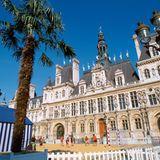 Rathaus mit Strand