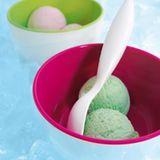Eisschalen in Bonbonfarben