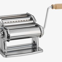 Schmucke Nudelmaschine für Pastaliebhaber
