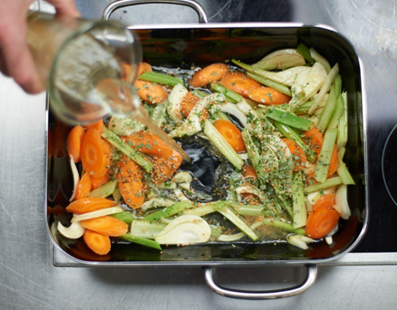Schritt 1: Gemüse schneiden