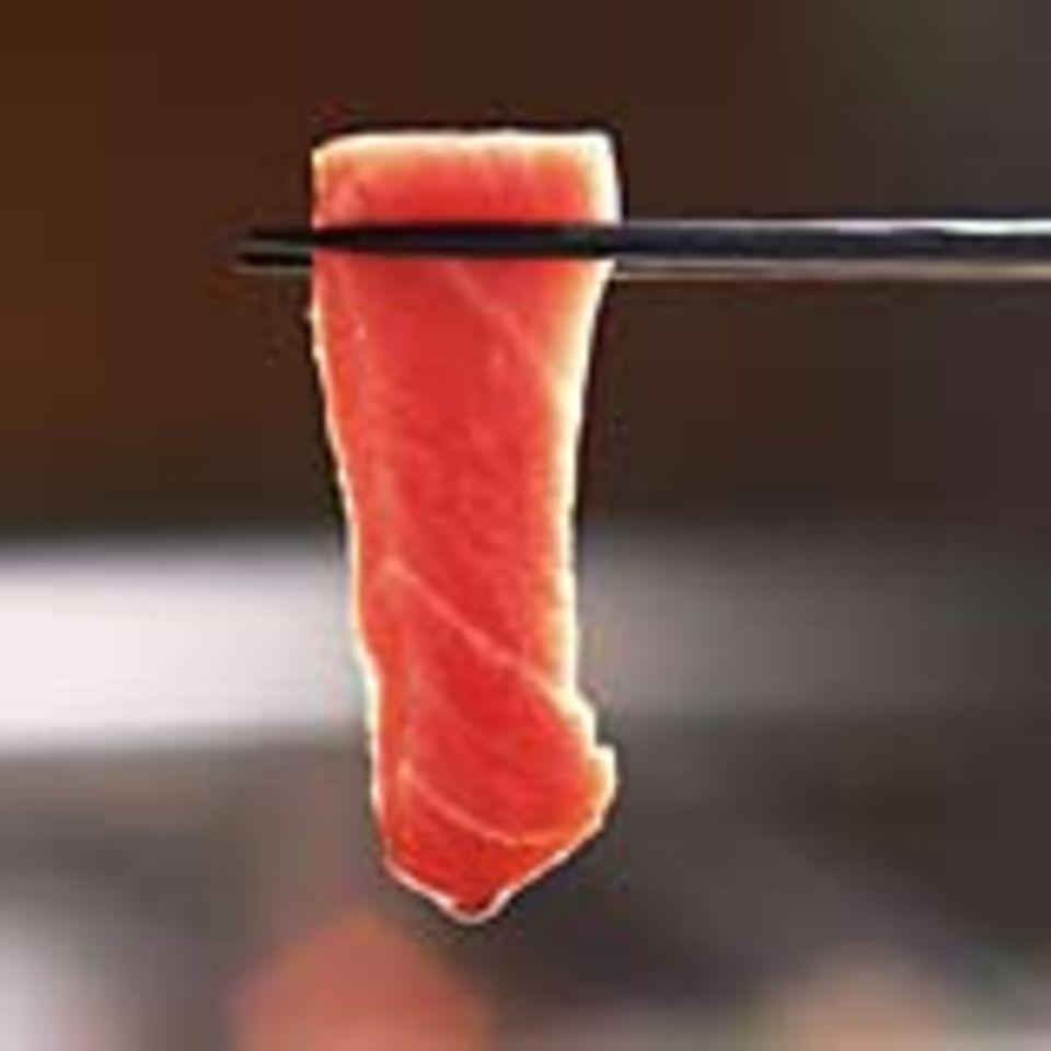 Sashimi - roher Fisch nach traditionell japanischer Art