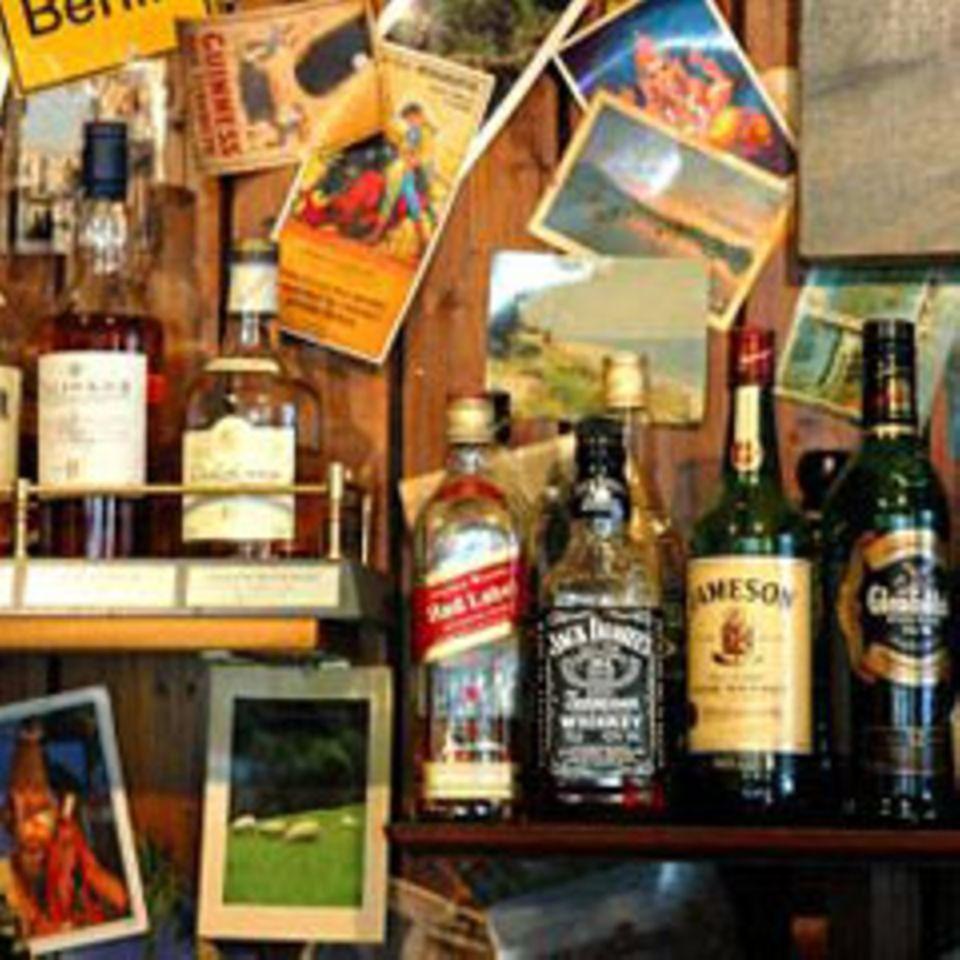 Whiskeysammlung in einem Irish Pub