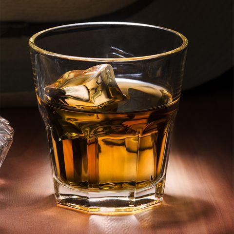 Rum auf Eis