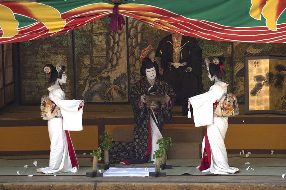 Kabuki, traditionelles japanisches Theater, ist ein eindrückliches Erlebnis