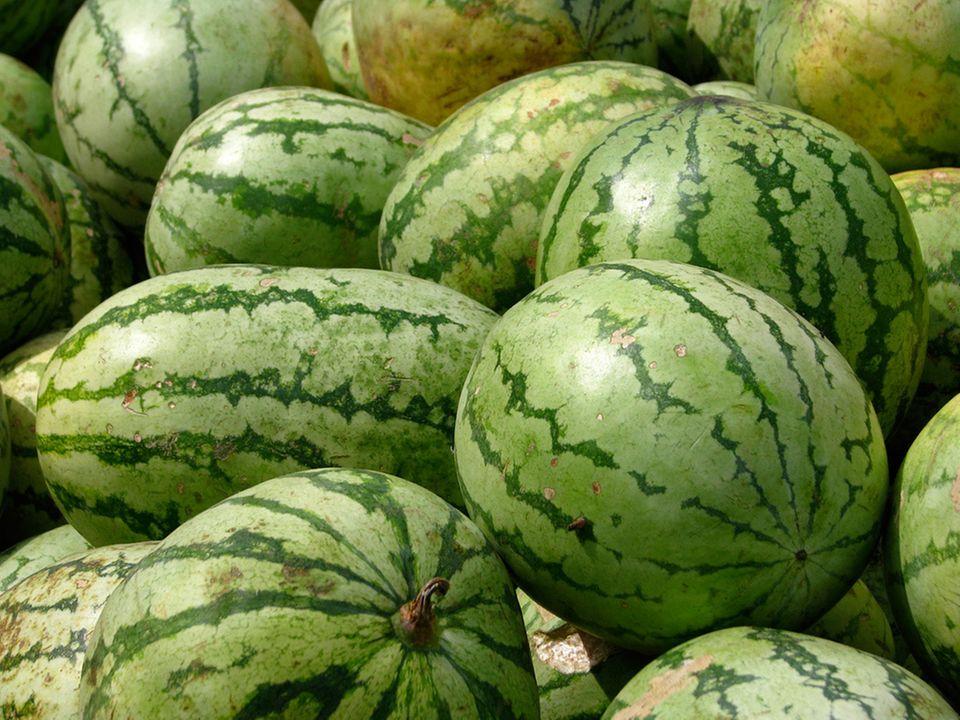 Vitaminreich, kaloriearm und ein echter Durstlöscher: Wassermelonen bestehen fast nur aus Wasser