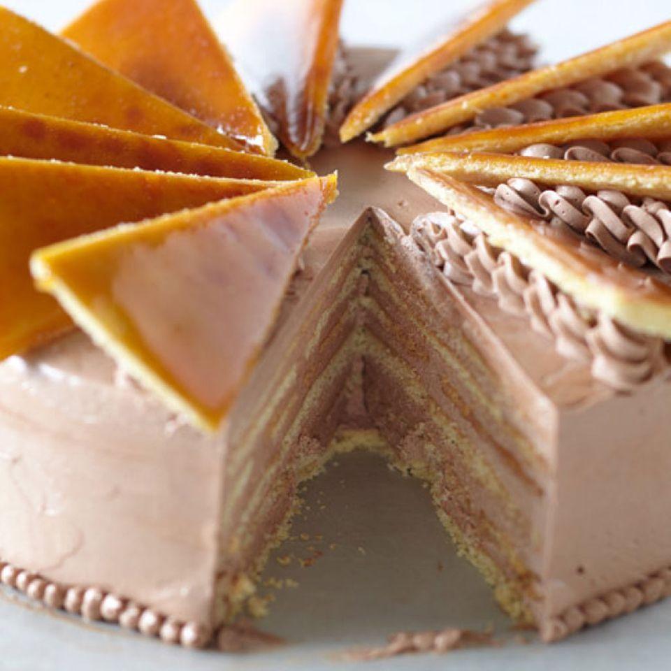 Süßer Traum der Balkan Küche: Dobos Torte
