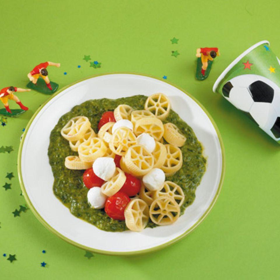 """Kinder mögen Fantasie: Aus Spinat-Nudeln werden """"Kraftnudeln"""""""
