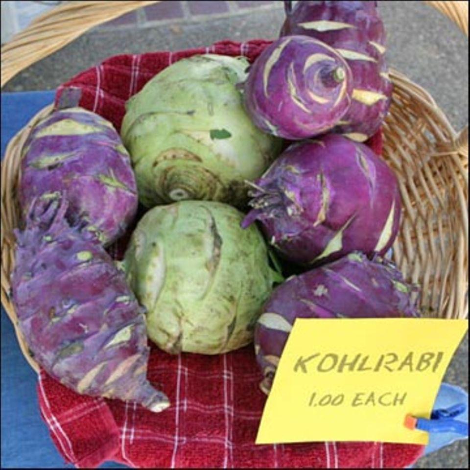 Kohlrabi gibt es in mehreren Farben