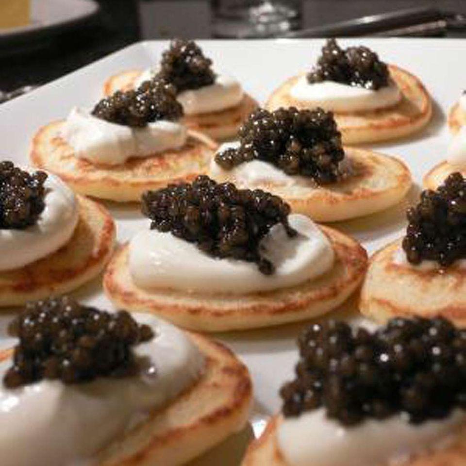 Silvesteressen: Kaviar auf Blinis
