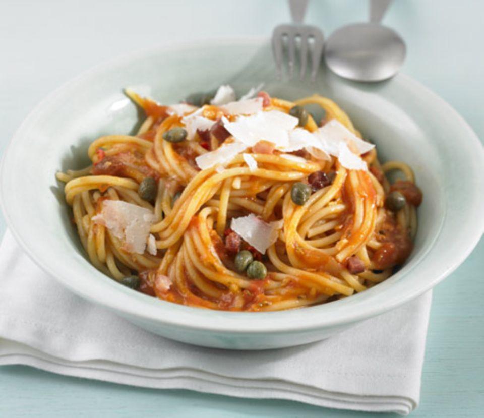 Pasta all'arrabbiata ist ein Klassiker der italienischen Küche
