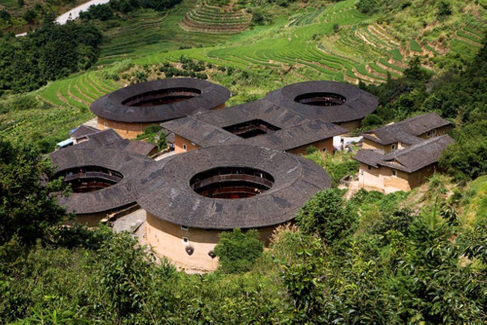 Die runden Tulou-Bauten in Fujian gehören zum Weltkulturerbe