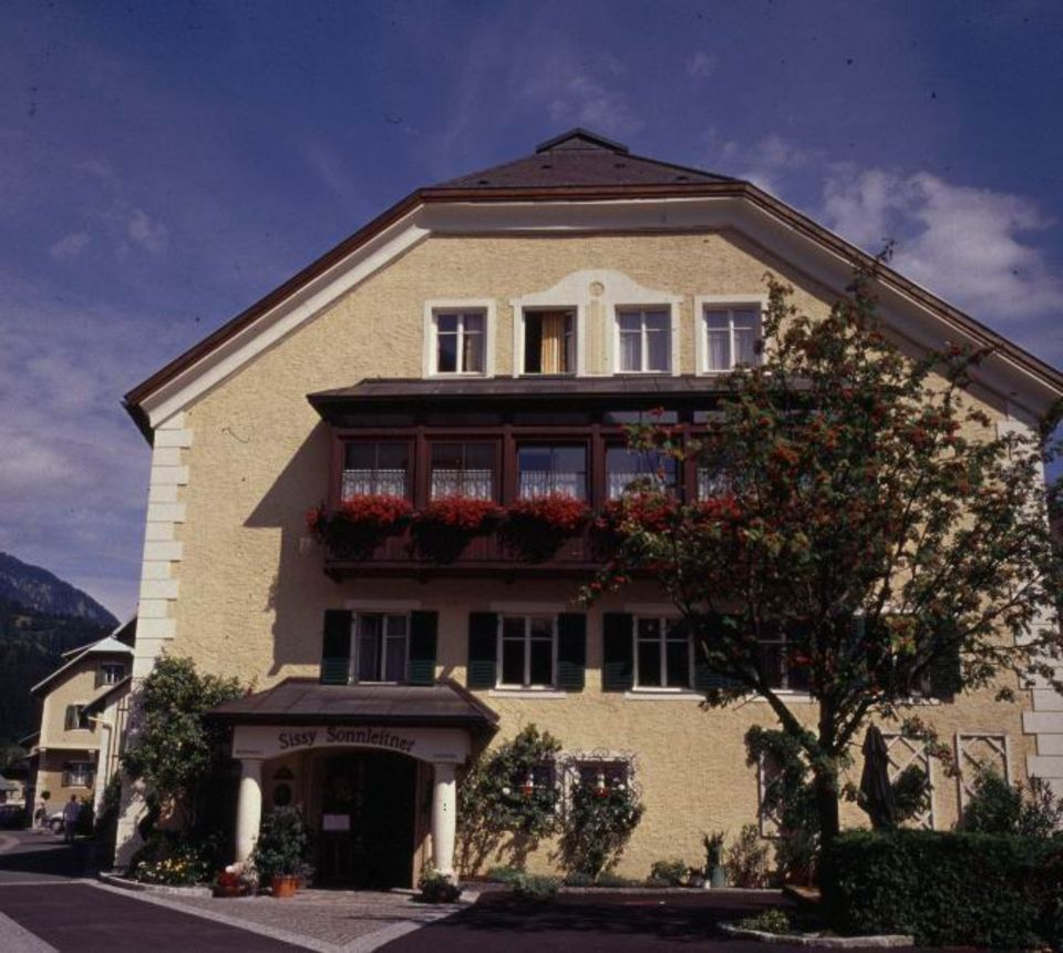 Das Landhaus Kellerwand ist nach der Kellerwand in den Kärntner Alpen benannt