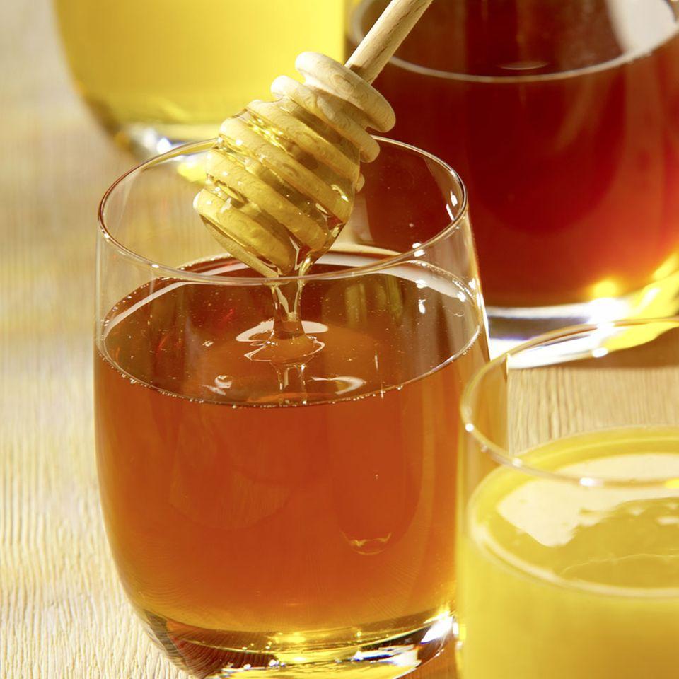 Stammen Pollen im Honig von gentechnisch veränderten Organismen, darf auch der Honig nur mit Zulassung verkauft werden