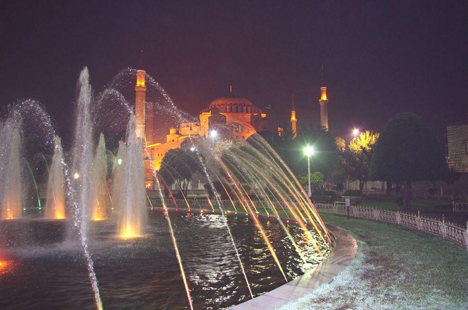 Die Hagia Sophia ist eines der Wahrzeichen in Istanbul