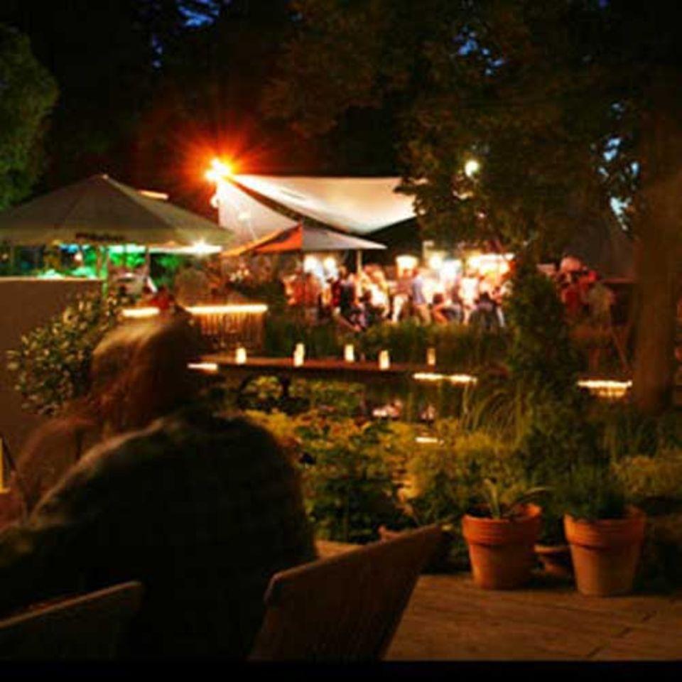 Frank & Frei: Eine lauer Sommernacht im Nikolaushof
