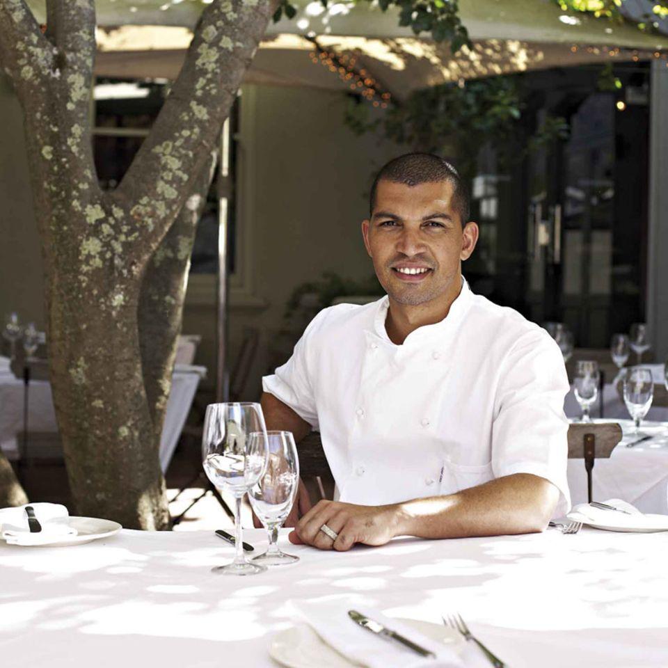 Reuben Riffel in seinem Restaurant in Kapstadt