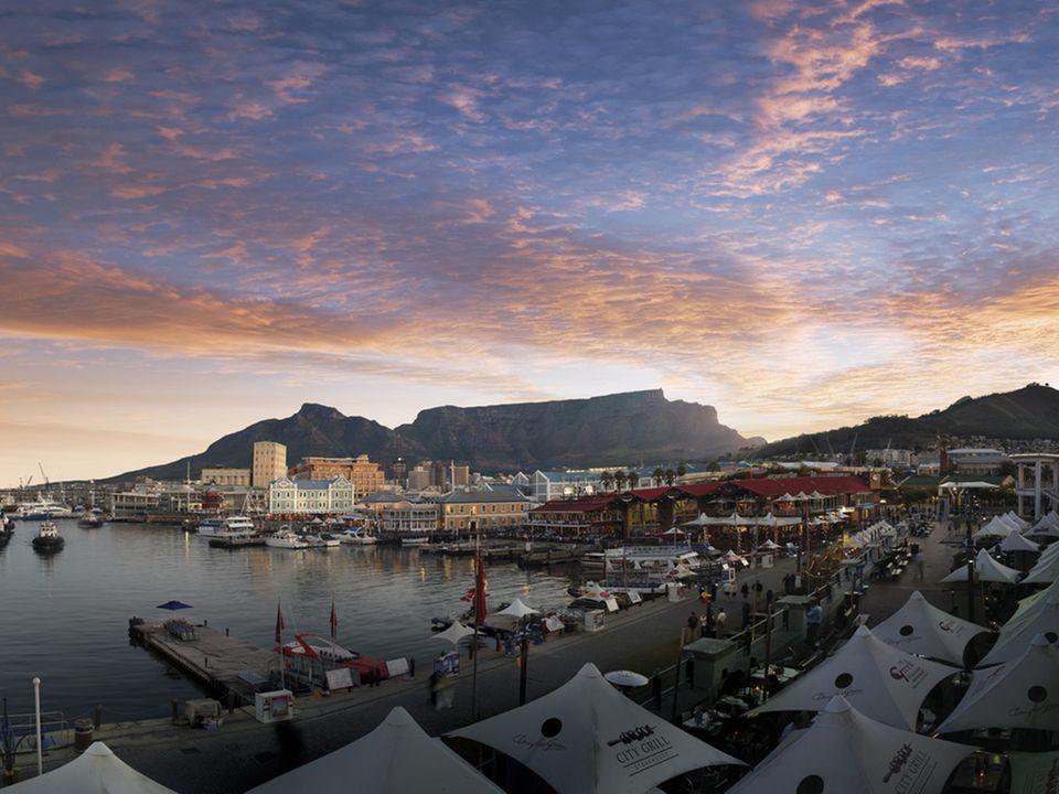 In Kapstadt an der Waterfront liegen viele attraktive Restaurants