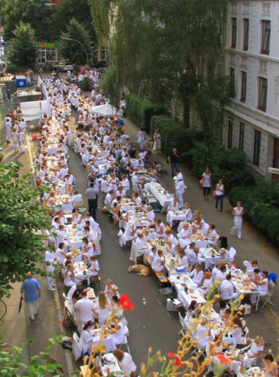 Weißes Dinner in Hamburg Eimsbüttel