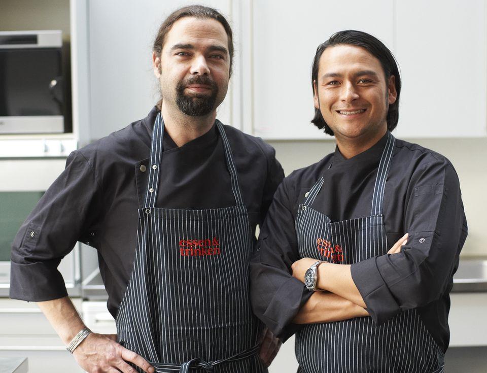 Achim Ellmer und Marcel Stut aus der ESSEN&TRINKEN Versuchsküche kochen live auf der Messe