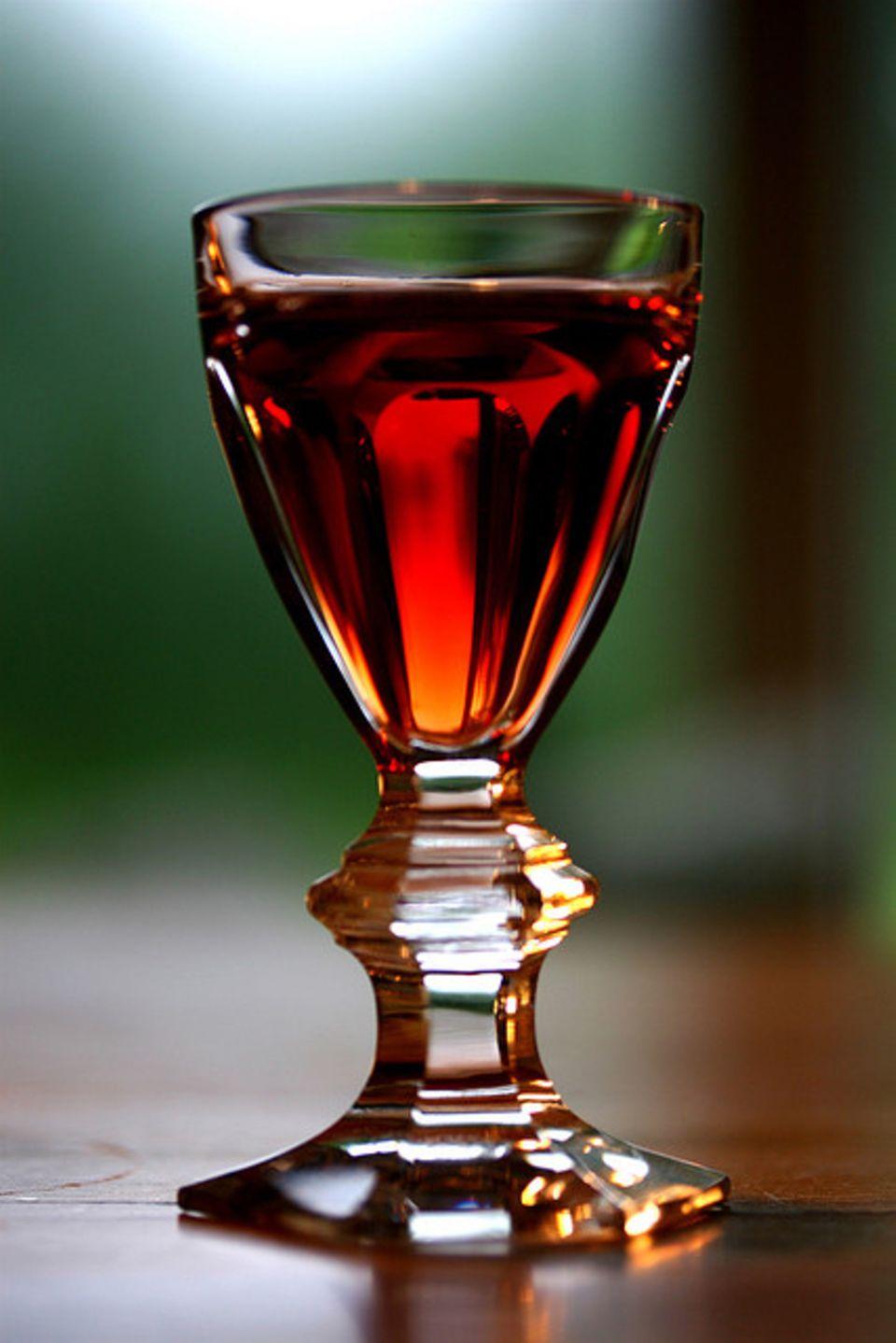 Portwein hat je nach Sorte eine unterschiedliche Farbe