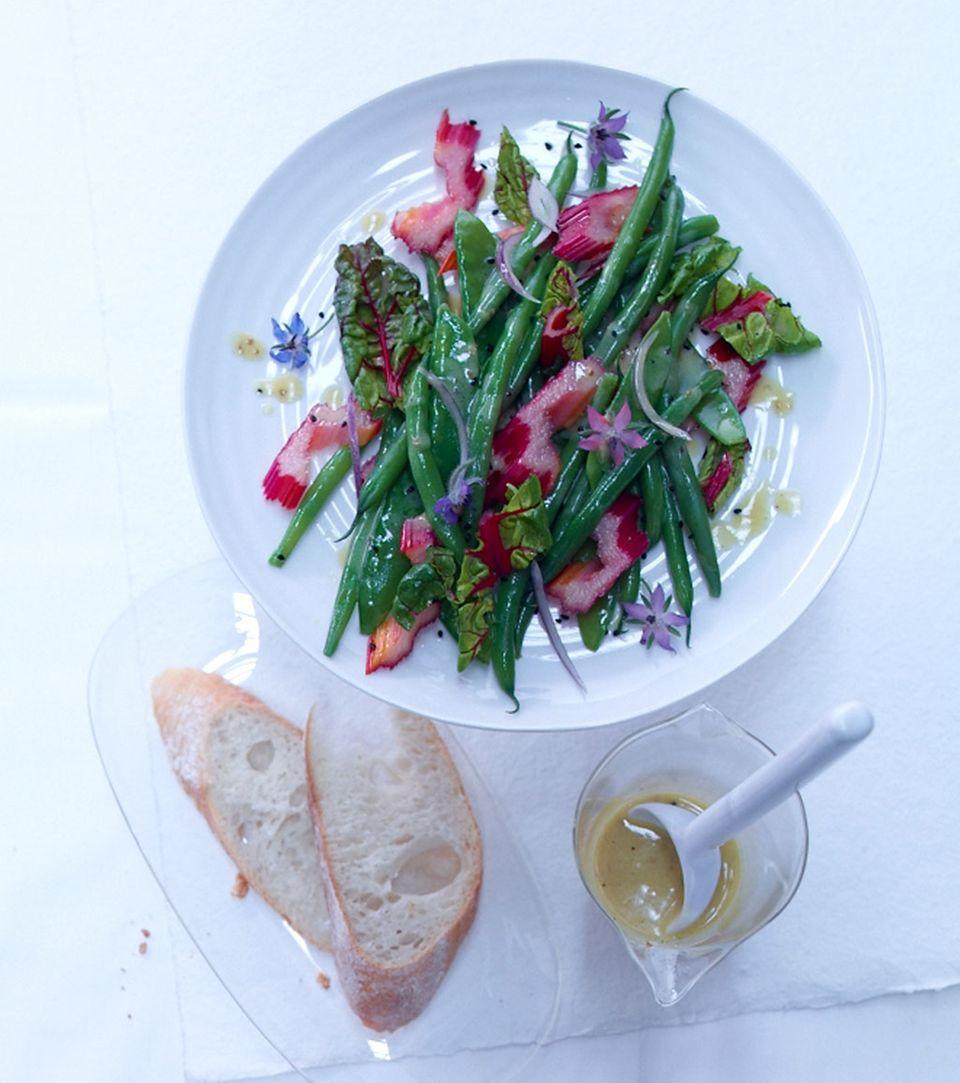 Knackige Salate mit reichlich Vitalstoffe gehören zur Wellnessküche