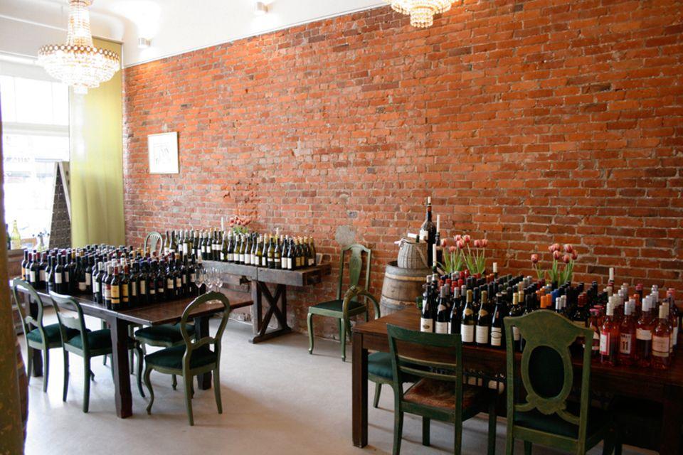 Im Verkostungsraum der Villa Verde tauchen Besucher mit allen Sinnen in die Weinwelt ein