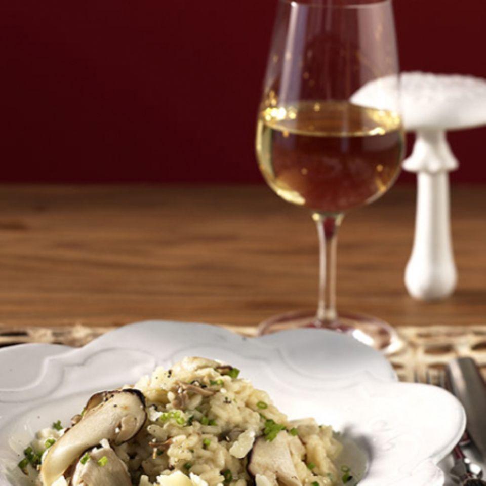 Ein cremiges Steinpilz-Risotto passt zu einem ausgewogenen Weißwein