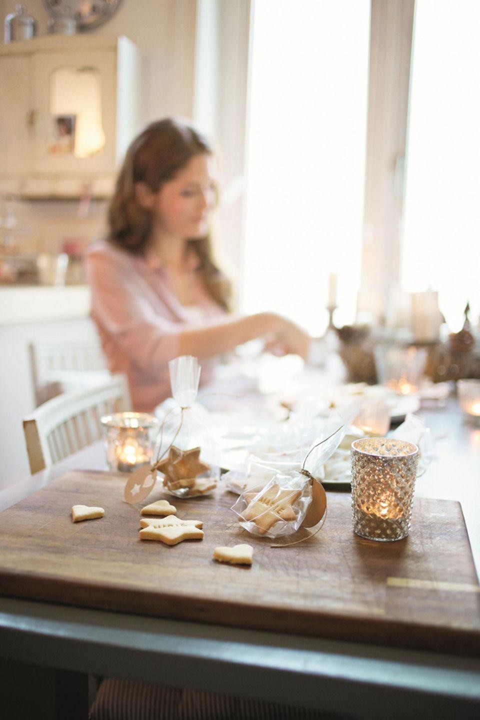 Adventskaffee mit selbstgebackenen Keksen