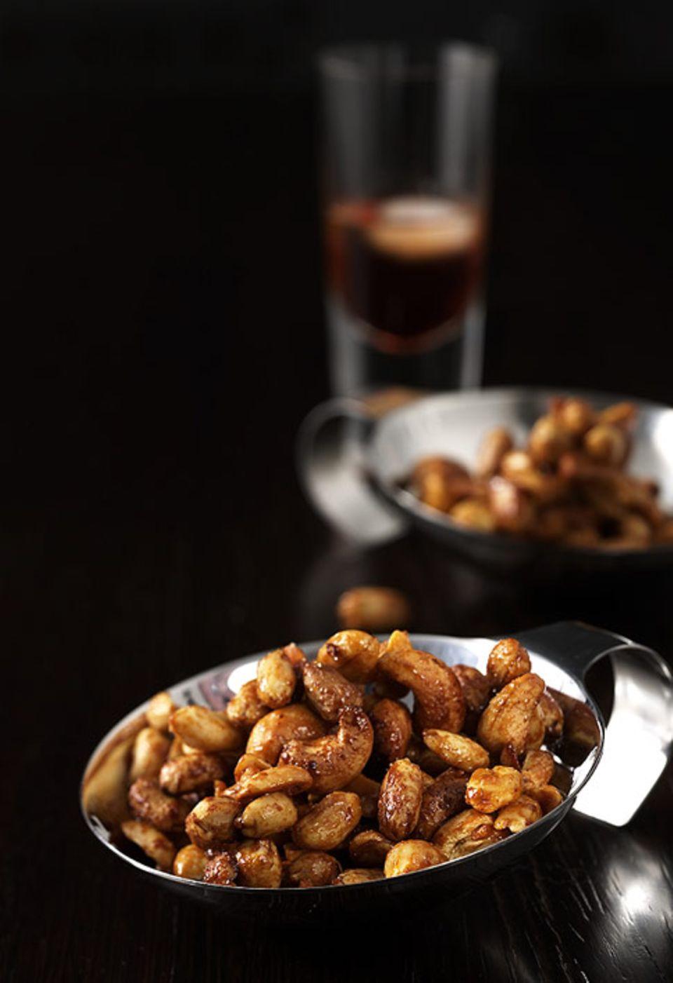 Nicht nur in der Weihnachtszeit eine köstliche Knabberei: Nüsse