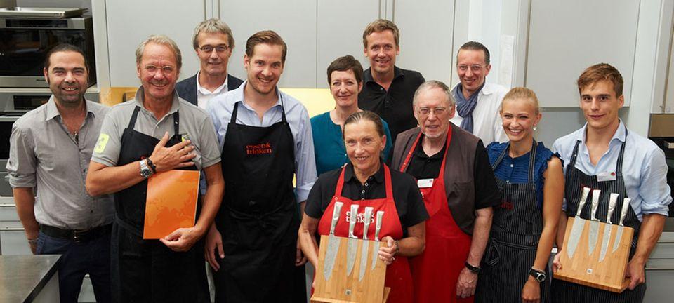 Strahlende Sieger: Dr. Dieter Nollau und Sohn Tom (vorne links)