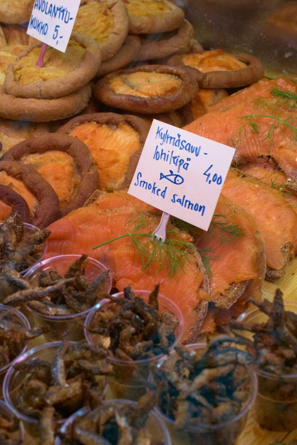 Fischangebot auf Helsinkis Markt