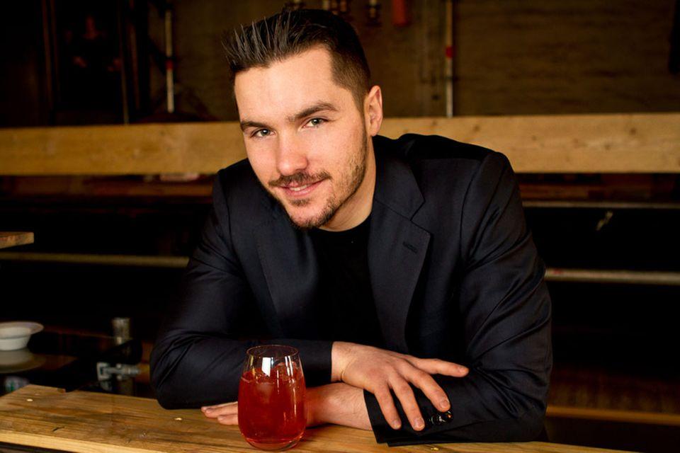 """Für mehr Barkultur: Bartender Stephan Hinz, Autor von """"Cocktailkunst"""""""