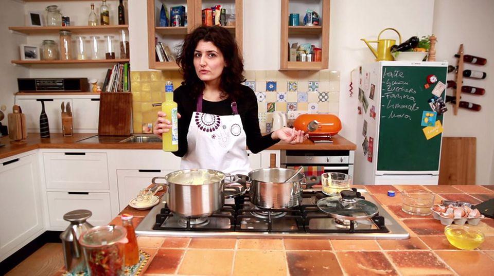 Luisa Giannitti vewendet für ihr Dessert den italienischen Zitronenlikör Limoncello.