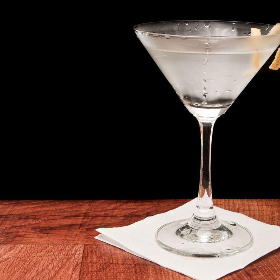 Ein puristischer Drink mit Geschichte: der Martini