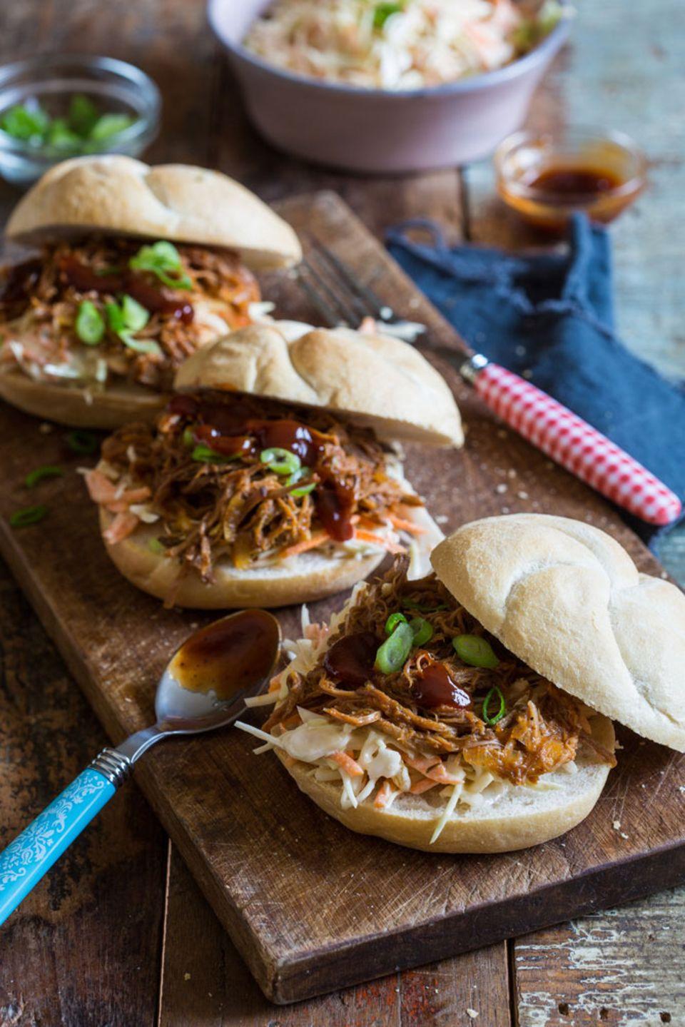 Am besten im klassischen Burgerbrötchen: Pulled Pork