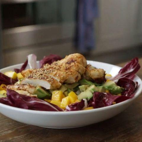 Avocado-Mango-Salat mit Hühnchen von Anne Lucas
