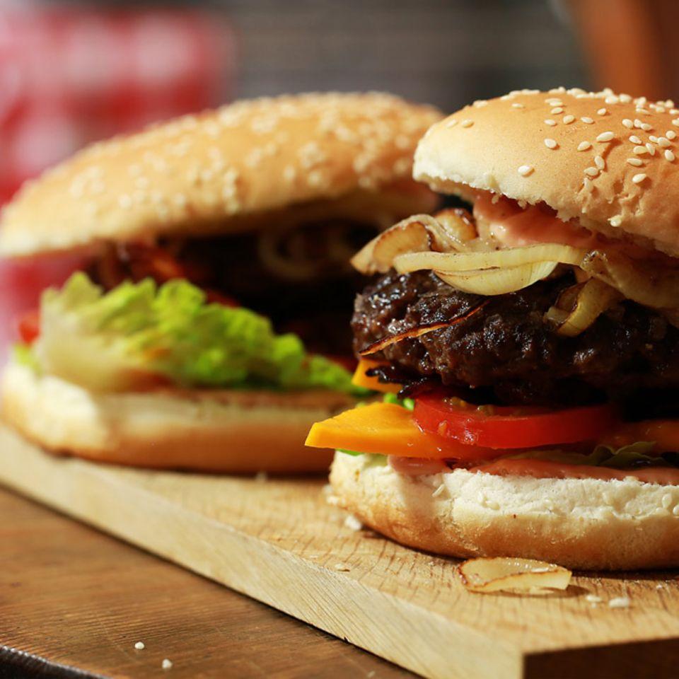Exotische Burger mit Hackfleisch und Mango von Anne Lucas