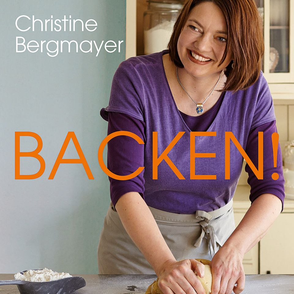 """Viele bunte Backrezepte gibt es im neuen Backbuch """"Backen"""" von Christine Bergmayer"""