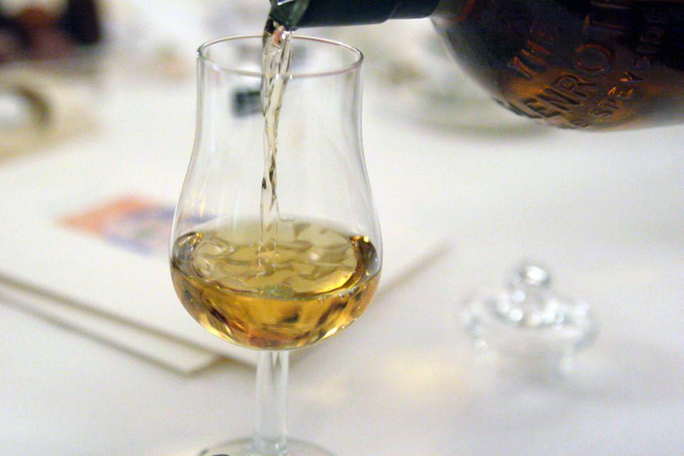 Ein Whisky-Tasting sorgt für Geschmackserlebnisse und Diskussionsstoff