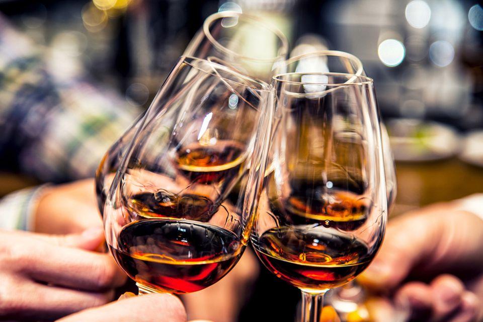 Lockere Atmosphäre beim Whiskytasting: Konzentration ist ein Muss, aber der Spaß steht im Vordergrund
