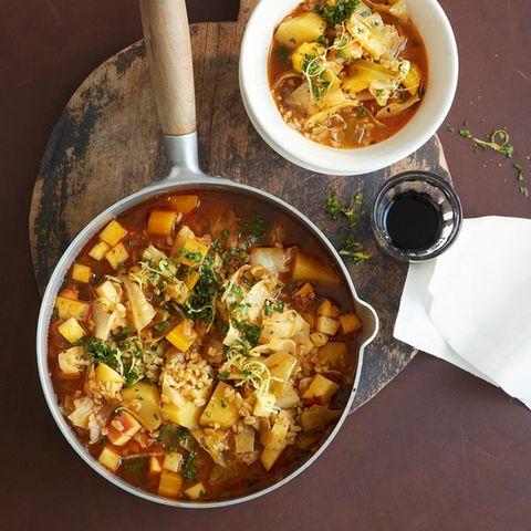 Suppen und Eintöpfe mit Kohl