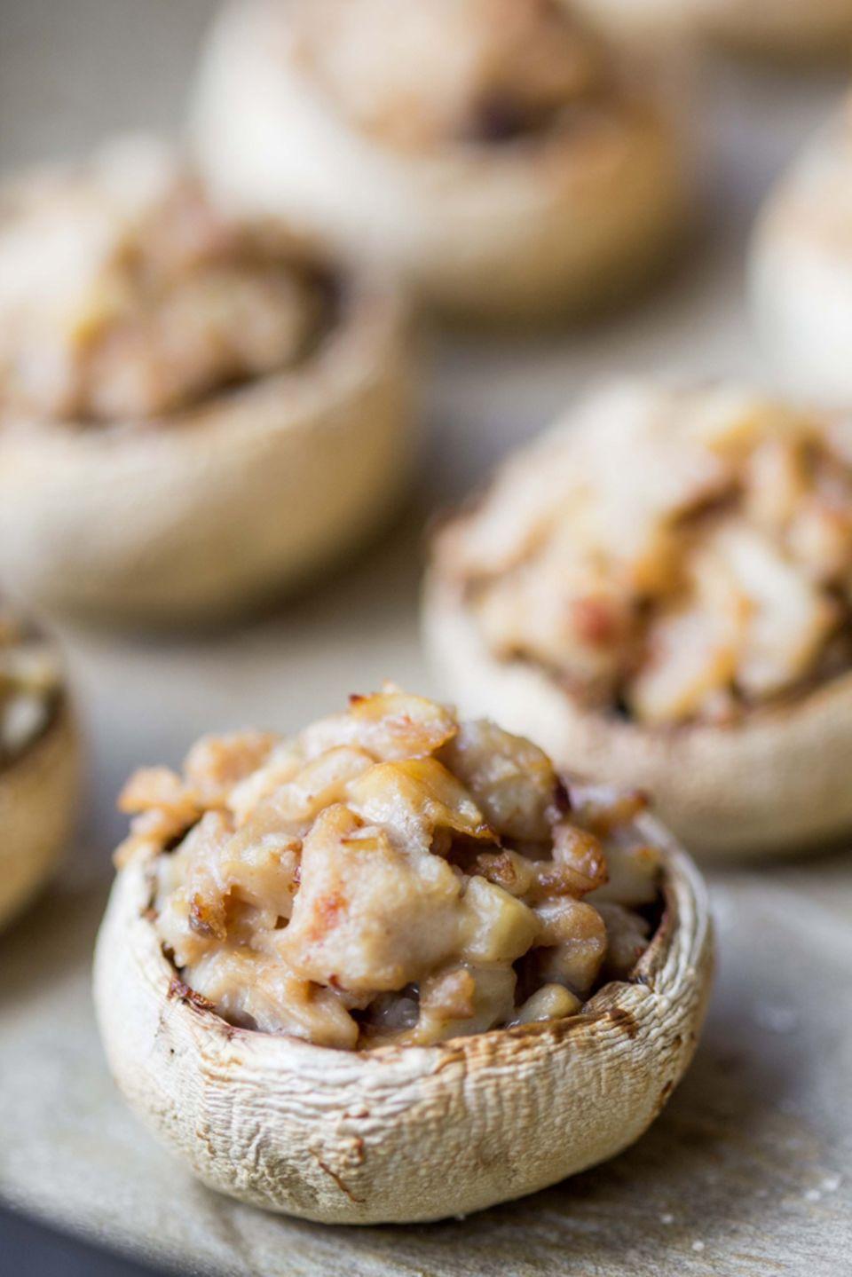 Sehr beliebt: Gefüllte Champignons mit Hackfleisch und Käse