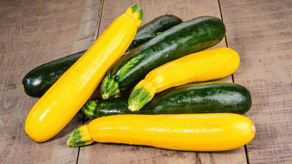 Neben der grünen Zucchini ist auch die gelbe immer öfter zu finden