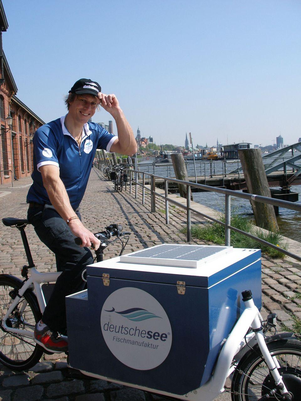 In Hamburg liefert Deutsche See auch mit umweltfreundlichen eBikes aus